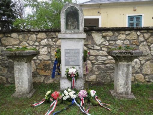 A magyarországi németek elűzetéséről emlékeztek meg Perbálon  / In Erinnerung an die Vertreibung der Ungarndeutschen - Gedenkfeier in Perwall