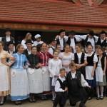 Májusfa-állítás Újhartyánon / Maifest in Hartian (Fotó: Fajt Kleineisel Mária)