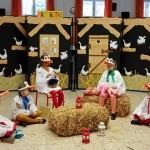 Die Klasse 3a der Deutschen Nationalitätenschule Ödenburg bereitete sich mit einem Theaterstück vor