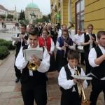 Közös menet a Lenau Házba / Gemeinsamer Marsch ins Lenau-Haus (Fotó/Fotos: Tóth László)