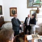 Vorsitzender des Vereins der Deutschen in Elek Thomas Klemm mit Joschi Ament und Olivia Schubert