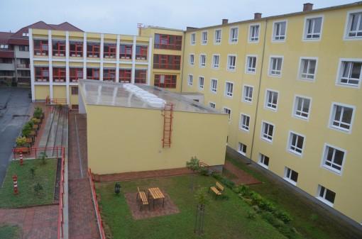 Schulhof_Valeria-Koch-Bildungszentrum (1)