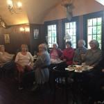 Vereinsmitglieder im Café des Turms