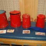 Zsírosbödönöket is felhasználtak a játékokhoz