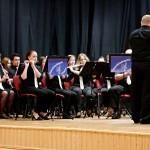 Die Willander Jugendblaskapelle mit ihrem Dirigenten Balázs Ahmann