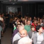 Sokan voltak kíváncsiak a kiállításra és a díjátadóra / Viele waren neugierig auf die Ausstellung und Preisverleihung