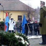Olivia Schubert, Vorsitzende der Landesselbstverwaltung der Ungarndeutschen legte einen Kranz nieder