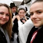 Vanda Georgina Fuchs: Selfie mit der Braut während der Vorbereitungen