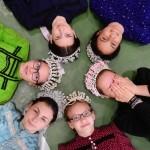 Mónika Pethő: Mädchen mit Kranz
