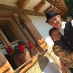 Kornélia Reiser: Junges Paar auf dem alten Gang