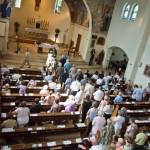 Szentmise a katolikus templomban