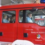 Einige durften sich in den Feuerwehrwagen setzen
